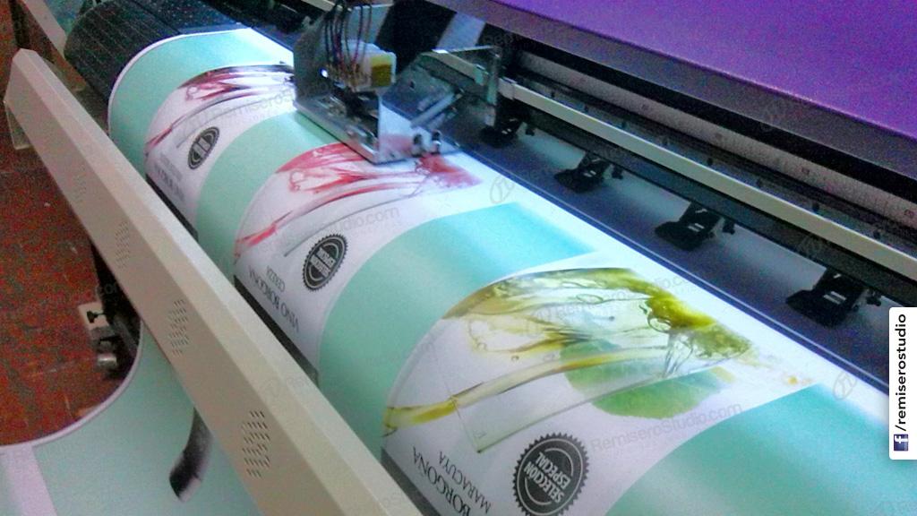 Impresión de vinil adhesivo en alta resolución 1440 dpi para stand y eventos