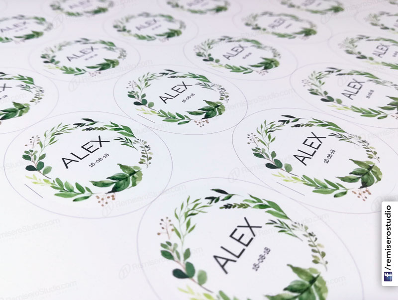 Stickers ovalados en papel adhesivo mate